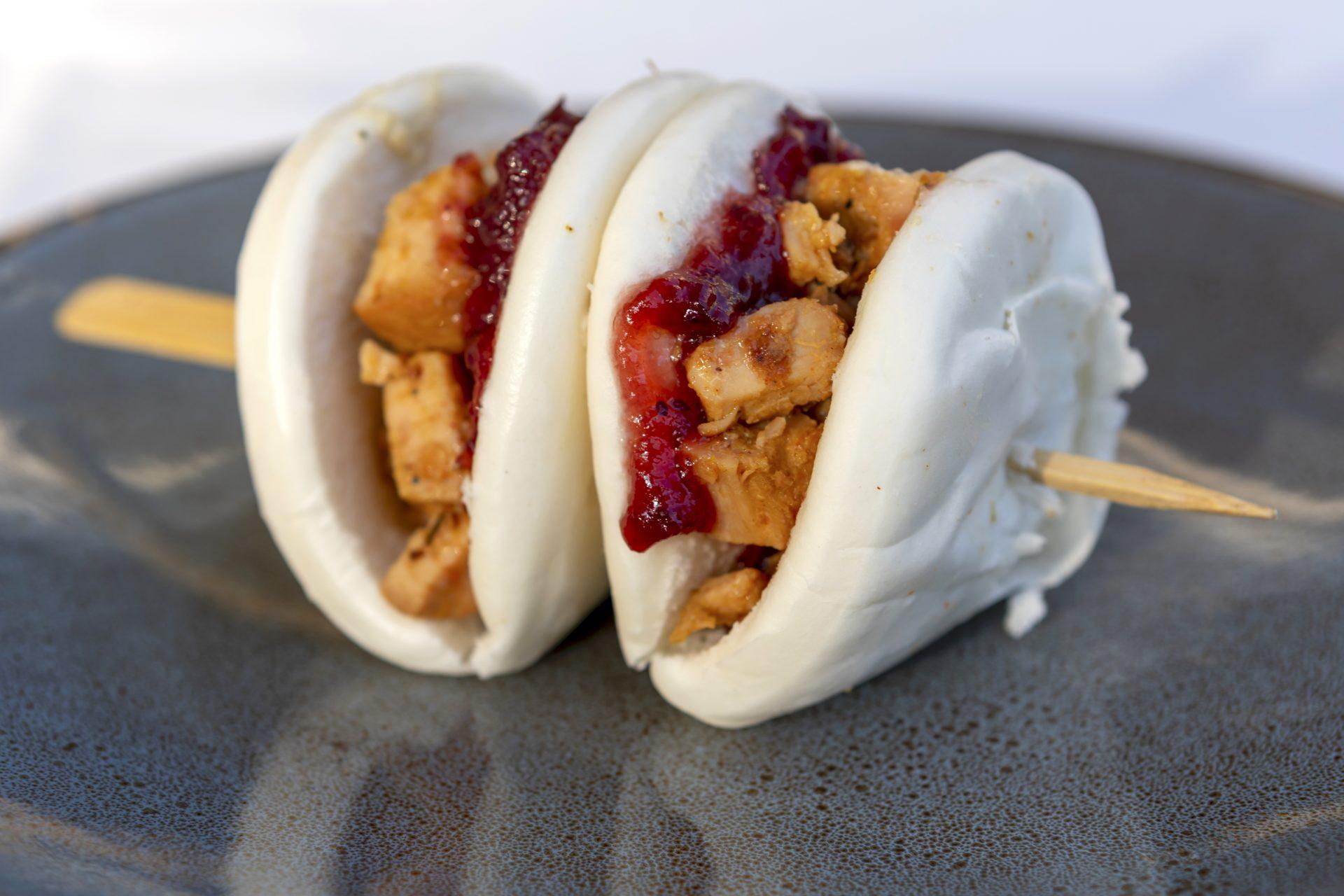 Τα κρητικά bao bun αποτελούν μια πραγματικά ιδιαίτερη πρόταση, την οποία μπορείτε να δοκιμάσετε.